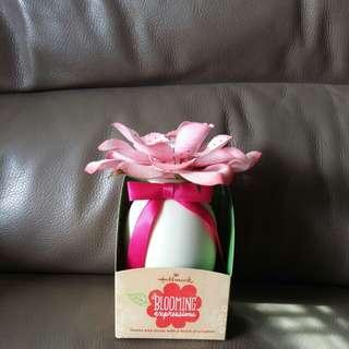 Gift Set * Hallmark