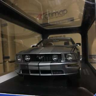 1/18 Ford Mustang GT 2005. AutoArt