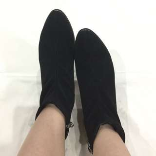 Black Boot size 39