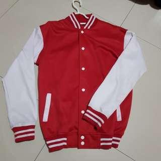 Jaket baseball merah
