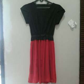 Dress hitam merah