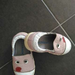 Toddler Shoes size 23