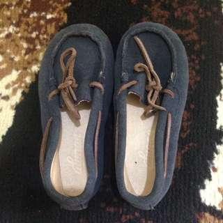 Sepatu anak merk Alunan