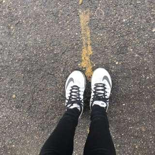 🚚 Nike air max白灰