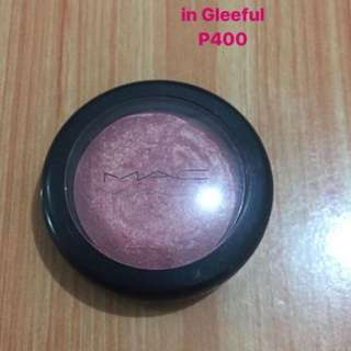 MAC blush in Gleeful