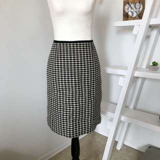 Authentic Tory Burch Cornelia Pencil Skirt Size 6 Houndstooth Black White