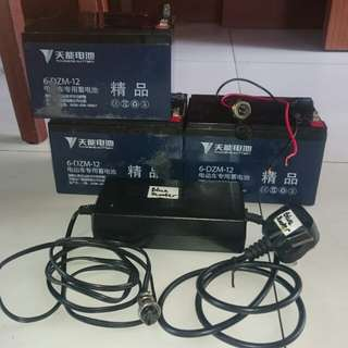 Escooter battery 12ah 36V with battery charger and input charger.