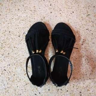 Wade tassel sandal