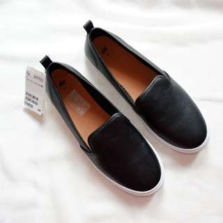 H&M Slipper On Black