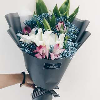 3s Lily bouquet