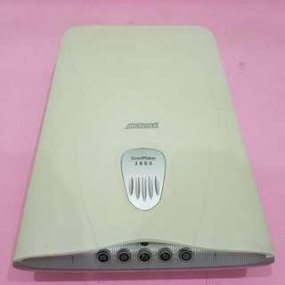 Microtek ScanMaker 3800