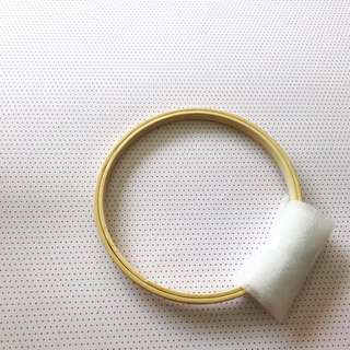 Embroidery hoop ring