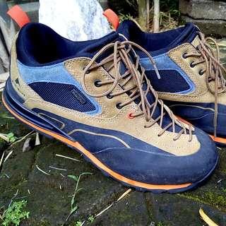 Outdoor Shoes Eiger Anaconda Vibram