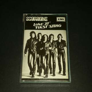 Scorpions  (love at first sting) cassette tock