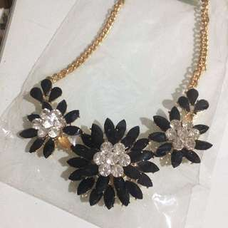 Aylsee Necklace Black