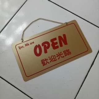 Gantungan OPEN CLOSE