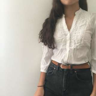 Vintage Embroidered Colar White Button Up