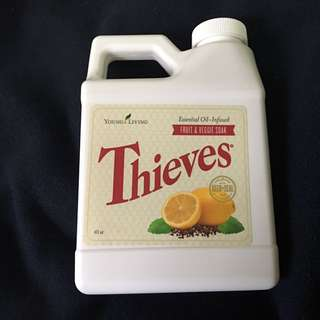 Young Living Thieves Fruit & Veggie Soak 蔬果清潔劑
