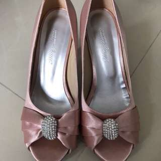 Pink wedding shoe
