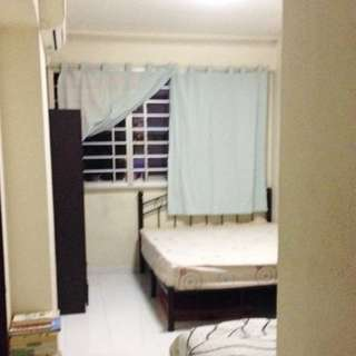 418 Hougang Ave 8 (Common Bedroom or Master Bedroom)  - Near Hougang MRT / Hougang Mall /With Wifi & Air-Con / All Genders Welcome!