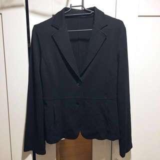 🚚 《真品》Comme Ca Du Mode 日本精品時尚品牌,黑色修身毛混紡(61%)短版西裝外套 (M號、附小口袋)