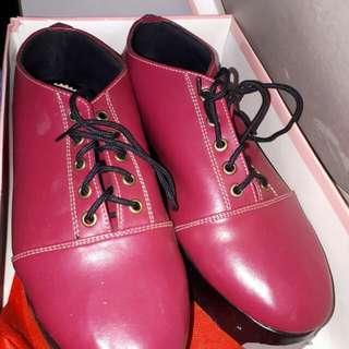 sepatu / shoes