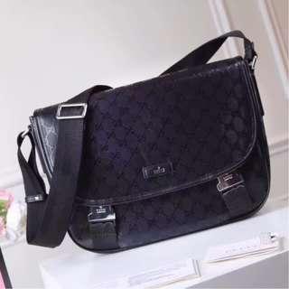 Gucci Black Imprime GG Canvas Messenger Bag