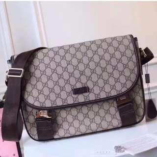 Gucci GG Supreme Canvas Messenger Bag