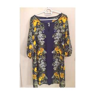Pre-loved Floral navy blue dress!for only 200php!
