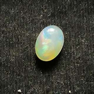 White Opal Ethiopia ( High Quality)( 1st pic no Flash )Self collection at hougang ave8 or Punggol Drive under my blk.