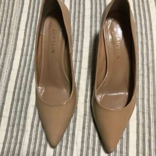 Janylyn nude patent shoes