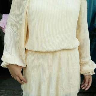 Off shoulder Palda dress
