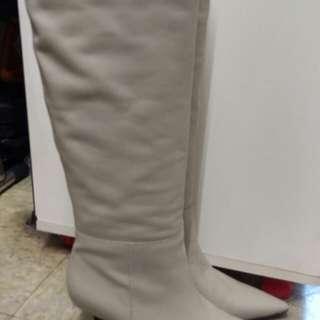 Venilla Suite 米色長靴