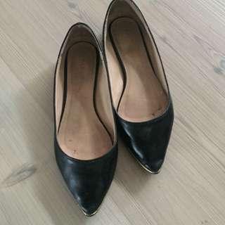 Marie claire black flat shoes