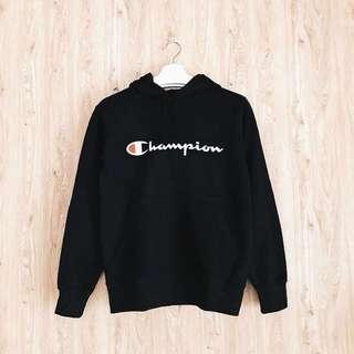 Hoodie Champion script logo in black