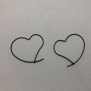 線條心型耳環