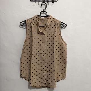 polkadot sleeveless shirt