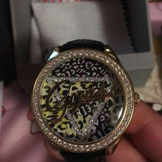 Guess 豹紋閃石錶