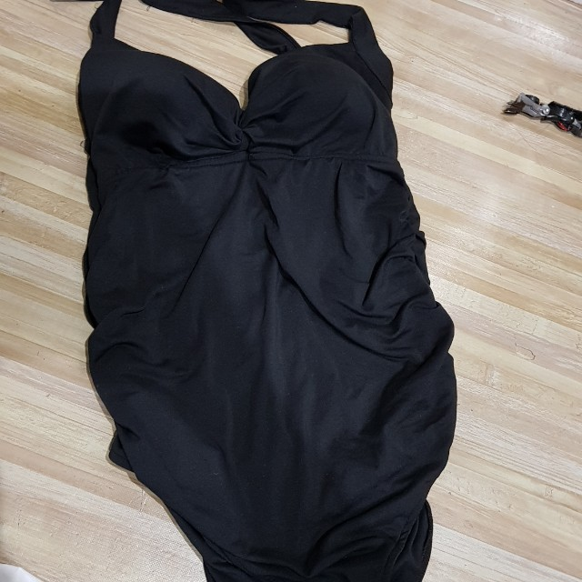 1 piece blacj swimsuit