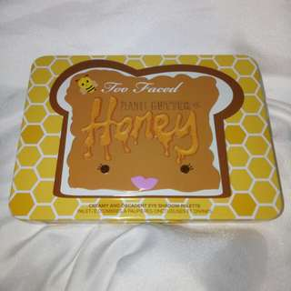 REPRICE TOO FACED LIMITED EDITION EYESHADOW PEANUT BUTTER AND HONEY