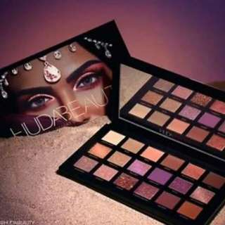 💥Huda beauty Desert Dusk💥