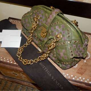BOTTEGA veneta green-purple braided intrecciato bowling bag