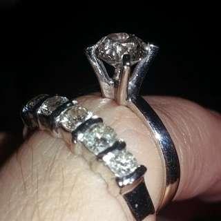 Tiffany daimond and illusion earring half ett ring