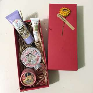💝GIFT FOR HER!  Beauty set
