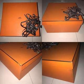 Authentic Hermes Box Free 2 Pita