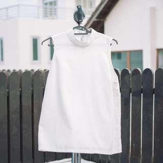 Ulzzang white sleeveless top