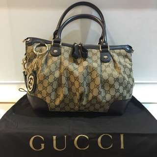 Gucci Shoulder Bag (100% original)