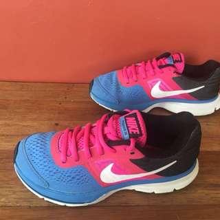 Nike 22.5cm
