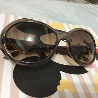 Guess sunglasses 太陽眼鏡