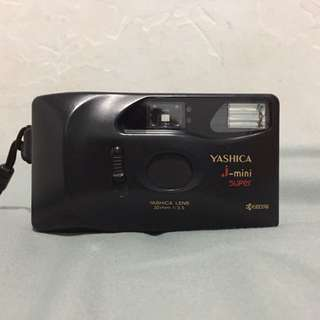 Kamera Analog YASHICA J-MINI SUPER